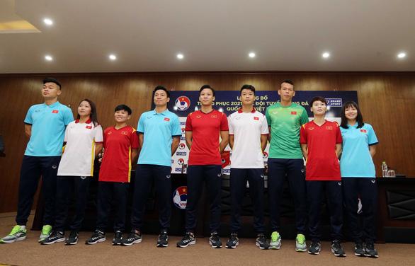 Áo đấu mới của đội tuyển quốc gia Việt Nam năm 2021 có gì lạ? - Ảnh 2.