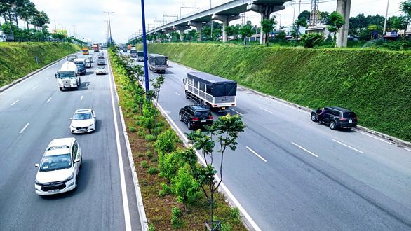 Thu phí xa lộ Hà Nội: cần được người dân và doanh nghiệp đồng thuận - Ảnh 1.