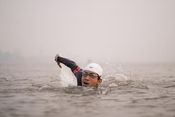 Bơi 200km từ Hà Nội đến cửa biển Thái Bình - Ảnh 1.