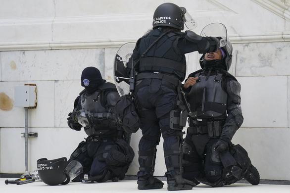 جزئیات جدید درباره شورش های کپیتول هیل: پلیس کاملاً منفعل است - عکس 3.
