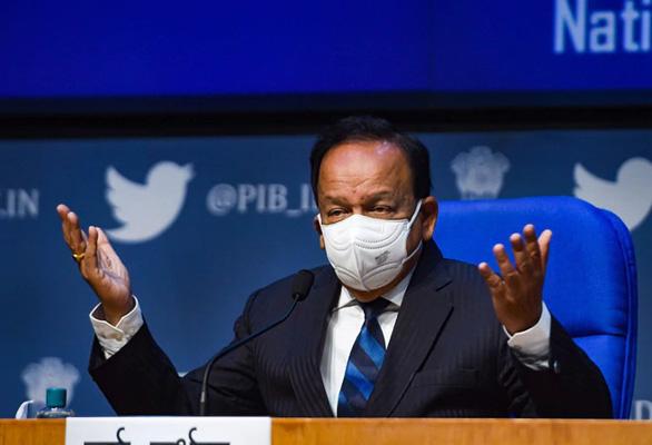 Ấn Độ hứa tiêm vắc xin COVID miễn phí cho hơn tỉ dân - Ảnh 1.