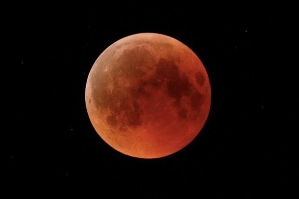 Chuẩn bị đón sự kiện thiên văn 2 trong 1: 'Siêu trăng máu' - Ảnh 1.