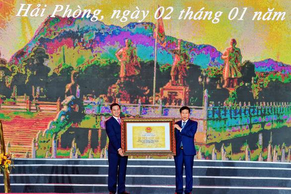 Trao bằng xếp hạng Khu di tích Bạch Đằng Giang là di tích lịch sử quốc gia - Ảnh 1.