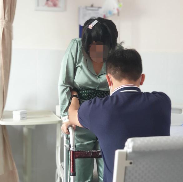 Bác sĩ Bệnh viện Mêkông tự ý đổi gây mê thành gây tê, sản phụ 29 tuổi liệt nửa người? - Ảnh 1.