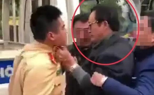 Chi cục trưởng Dân số Tuyên Quang túm áo, tát CSGT khi được yêu cầu đo nồng độ cồn - Ảnh 1.