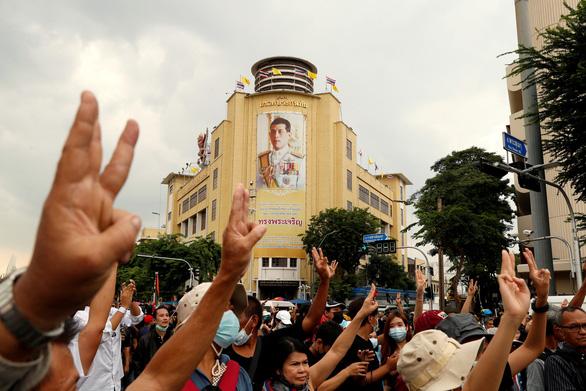 Chính trị gia đối lập Thái Lan bị buộc tội khi quân - Ảnh 2.