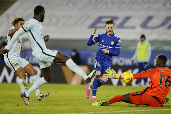 Hạ gục Chelsea, Leicester hiên ngang lên đỉnh bảng Premier League - Ảnh 2.
