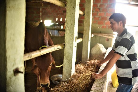 Tiếp sức nhà nông 2020: Món quà ý nghĩa với 140 hộ dân khó khăn - Ảnh 1.
