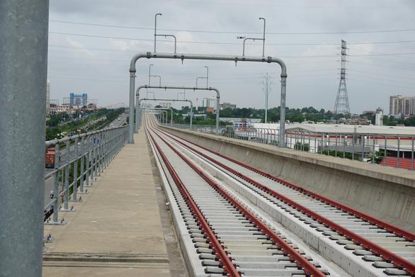 Tàu metro số 1 vận hành thử từ Bình Thái về depot Long Bình quý 4-2021 - Ảnh 1.