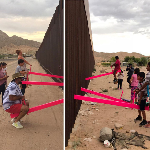 Teeter Totter Wall: افتخارات در مرز ایالات متحده و مکزیک - عکس 2.