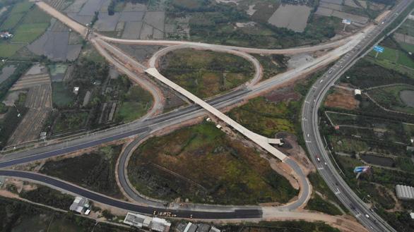 Tỉnh Tiền Giang phân luồng, tổ chức giao thông tạm trên cao tốc Trung Lương - Mỹ Thuận - Ảnh 1.