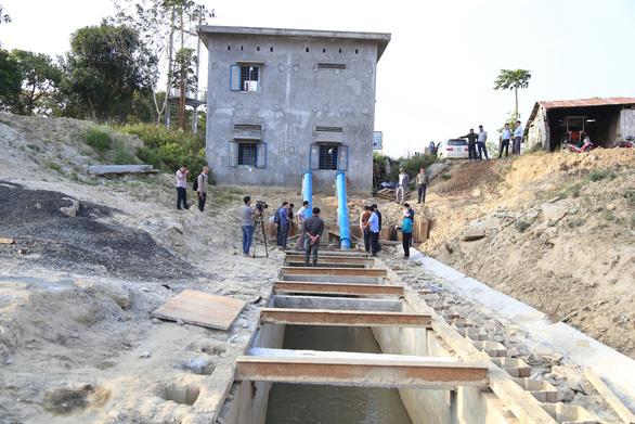 Dự án thủy lợi 200 tỉ chậm tiến độ, 200ha đất trồng lúa khát khô - Ảnh 2.