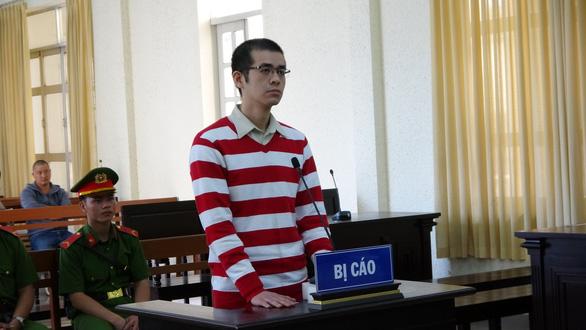 Hiệu trưởng trường cao đẳng ma lãnh 15 năm tù - Ảnh 1.