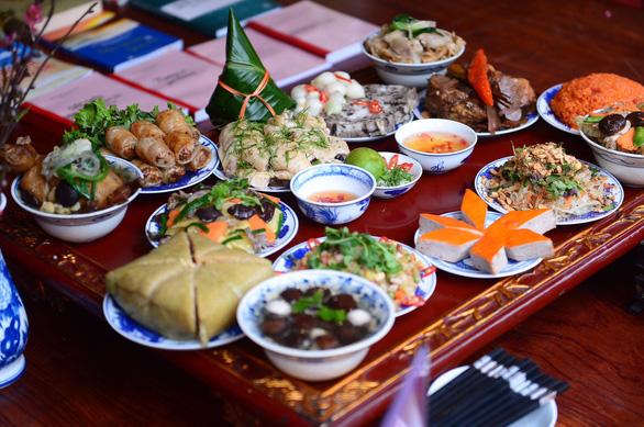 Lễ tết đa màu sắc tại Lễ hội Tết Việt - Ảnh 3.
