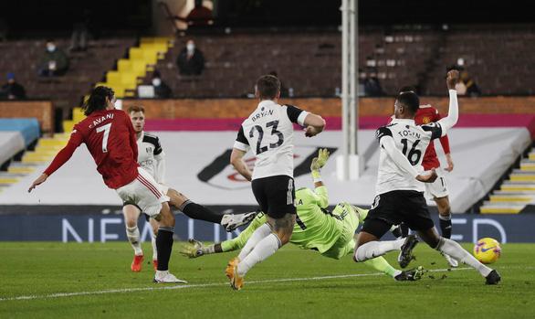Pogba đưa Man Utd trở lại ngôi đầu bảng - Ảnh 2.