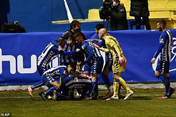 Điểm tin thể thao sáng 21-1: Real Madrid bị đội hạng 3 Alcoyano loại ở Cúp nhà vua - Ảnh 1.