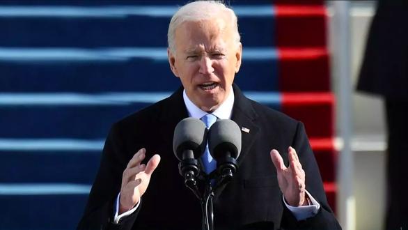 Chính quyền ông Biden lên án vụ Trung Quốc trừng phạt 28 quan chức thời ông Trump - Ảnh 1.