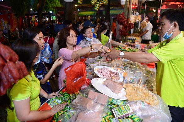 Lễ tết đa màu sắc tại Lễ hội Tết Việt - Ảnh 7.