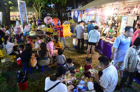 Lễ tết đa màu sắc tại Lễ hội Tết Việt - Ảnh 8.