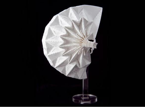 Khẩu trang origami chống COVID - Ảnh 1.