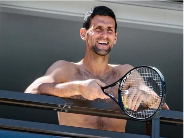 Novak Djokovic viết tâm thư giải thích mình không ích kỷ - Ảnh 1.