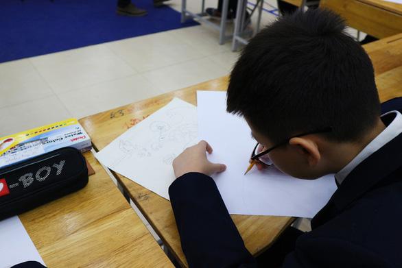 Phó Đại sứ Đan Mạch: Giải pháp phát triển bền vững có thể đến từ ý tưởng của học sinh - Ảnh 3.