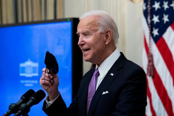 Tổng thống Mỹ Joe Biden sắp ký lệnh tăng hỗ trợ, tăng lương cho người dân, lao động - Ảnh 1.