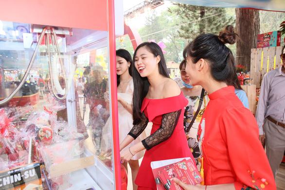 Chin-su mang không gian ẩm thực 3 miền đến lễ hội Tết Việt - Ảnh 4.