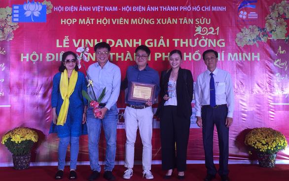 Tiệc trăng máu nhận giải thưởng Hội Điện ảnh TP.HCM - Ảnh 1.