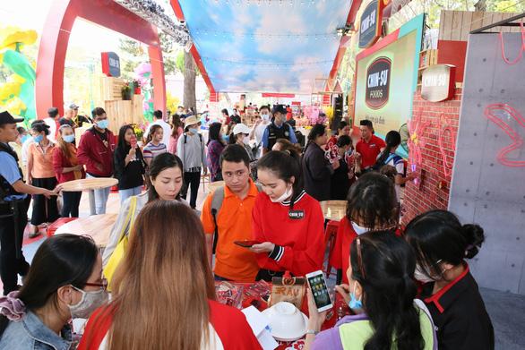 Chin-su mang không gian ẩm thực 3 miền đến lễ hội Tết Việt - Ảnh 1.