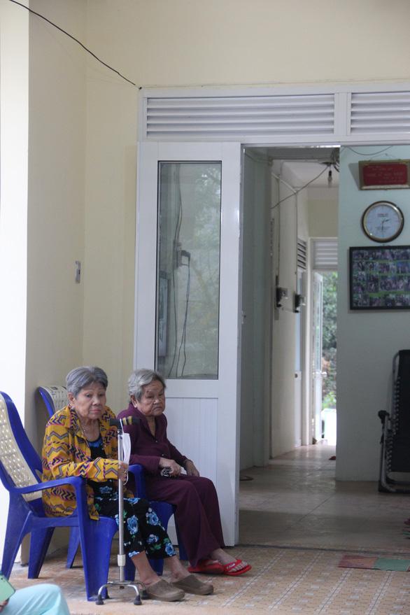 Lý Hùng, Lý Hương bật khóc trong lễ bàn giao công trình cải tạo khu dưỡng lão nghệ sĩ - Ảnh 5.