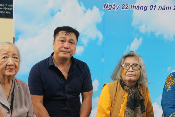Lý Hùng, Lý Hương bật khóc trong lễ bàn giao công trình cải tạo khu dưỡng lão nghệ sĩ - Ảnh 1.