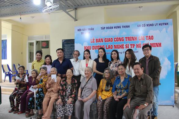 Lý Hùng, Lý Hương bật khóc trong lễ bàn giao công trình cải tạo khu dưỡng lão nghệ sĩ - Ảnh 2.