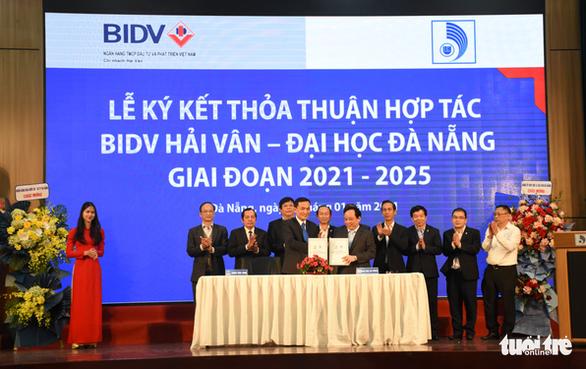 BIDV Hải Vân bắt tay hợp tác, tài trợ Đại học Đà Nẵng 6,25 tỉ đồng - Ảnh 1.