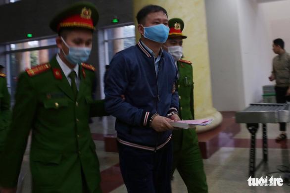 Hoãn phiên tòa xử Đinh La Thăng, Trịnh Xuân Thanh vụ Ethanol Phú Thọ - Ảnh 2.