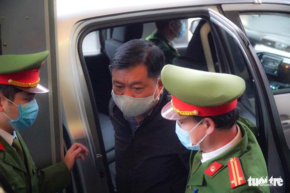 Hoãn phiên tòa xử Đinh La Thăng, Trịnh Xuân Thanh vụ Ethanol Phú Thọ - Ảnh 1.