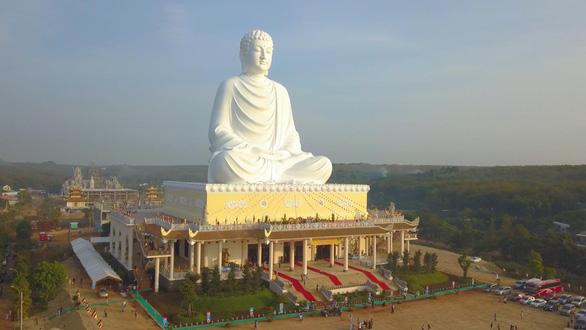 Bình Phước: Khánh thành tượng Phật ngồi cao 73m - Ảnh 1.