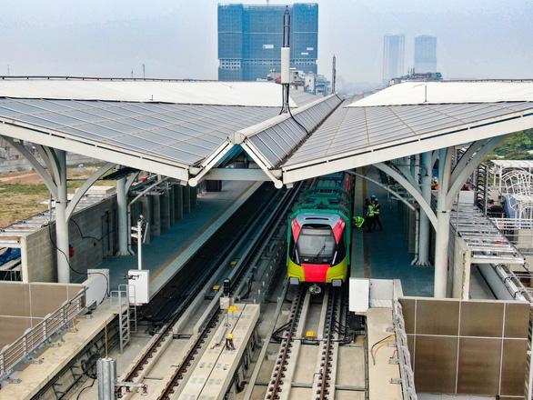 Chạy thử đoàn tàu đầu tiên của tuyến metro Nhổn - ga Hà Nội - Ảnh 5.