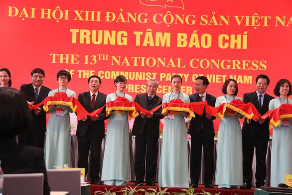 Phát hành bộ tem đặc biệt mừng Đại hội Đảng XIII - Ảnh 7.