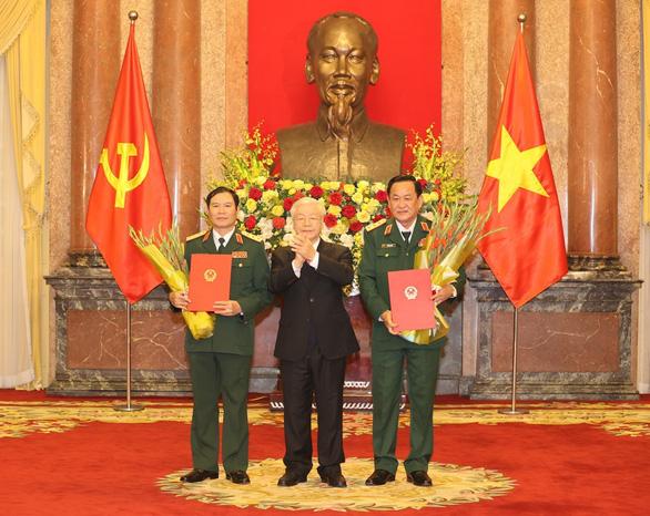 Thăng quân hàm thượng tướng cho 2 thứ trưởng Bộ Quốc phòng - Ảnh 1.