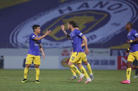 CLB Hà Nội thua trận thứ hai liên tiếp tại V-League 2021 - Ảnh 1.