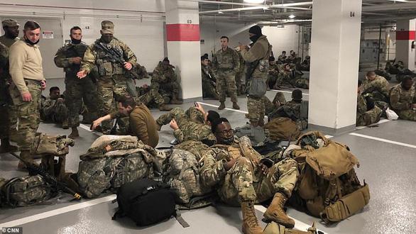 150-200 quân nhân vệ binh quốc gia Mỹ dương tính với corona - Ảnh 1.