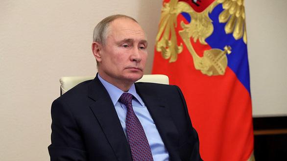 Tổng thống Putin đề xuất bỏ giới hạn độ tuổi với công chức - Ảnh 1.
