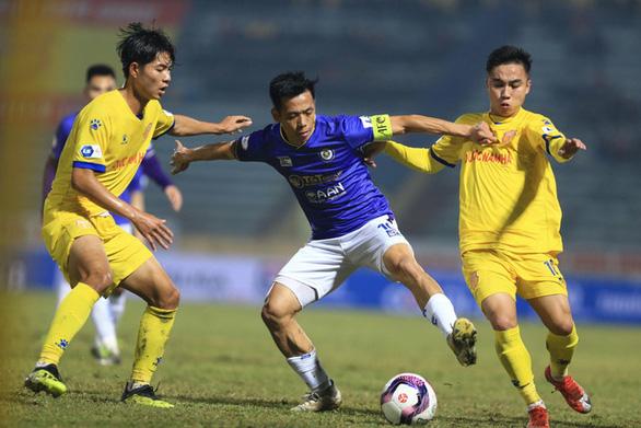 Văn Quyết vượt qua các đối thủ để trở thành VĐV số 1 của thể thao Việt Nam 2020 - Ảnh 1.