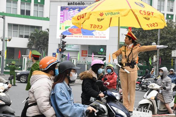 Tăng khung giờ cấm đường phục vụ Đại hội Đảng XIII - Ảnh 1.
