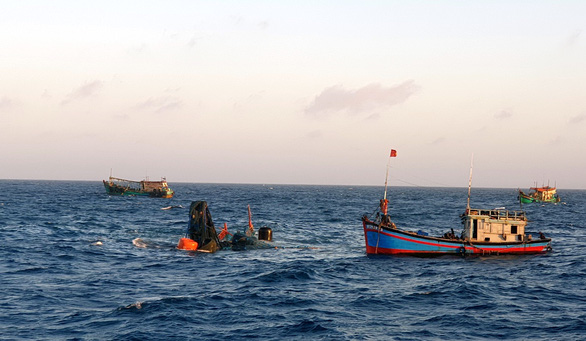 Tìm thấy thi thể một ngư dân của tàu cá Bến Tre chìm ở Côn Đảo - Ảnh 1.