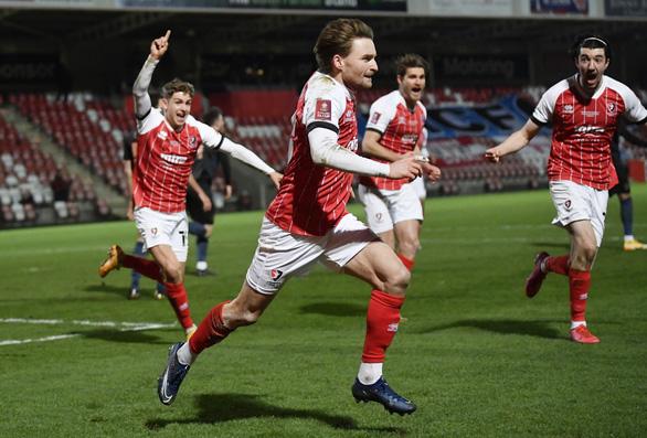 Cúp FA: Đương kim vô địch Arsenal bị loại, Man City đi tiếp - Ảnh 2.