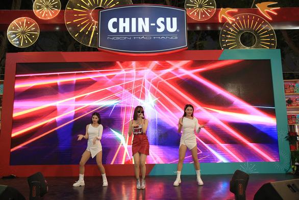 Cùng biệt đội Mlem: Min - JustaTee - Yuno BigBoi khuấy đảo Lễ hội Tết Việt - Ảnh 1.