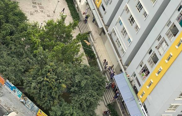 Chi cục trưởng Chi cục Thi hành án dân sự quận Bình Tân rơi lầu tử vong - Ảnh 1.