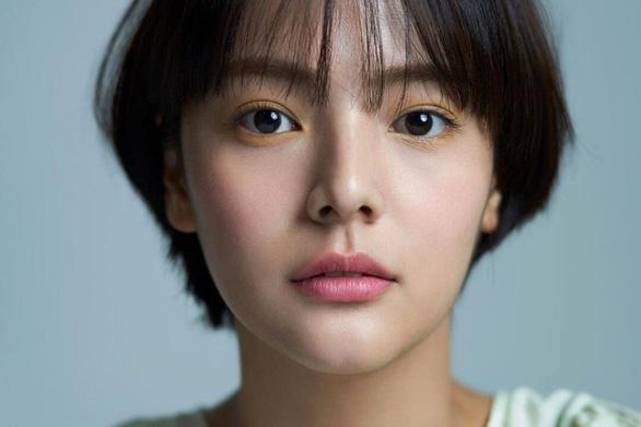 Nữ diễn viên Hàn Quốc Song Yoo Jung bất ngờ qua đời - Ảnh 1.
